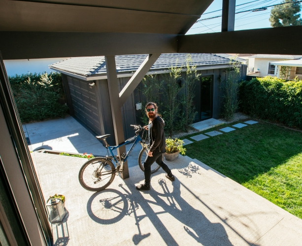 Bike thief caught with vivint outdoor camera pro