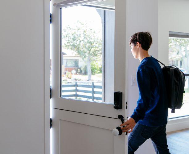 kids leaves home that has smoke alarm